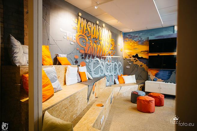 berlin industrial loft office a visit at secret escapes. Black Bedroom Furniture Sets. Home Design Ideas